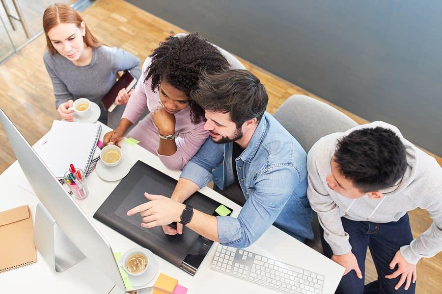 Web Design Agency vs. Freelancer- How to Choose the Right Web Developer?